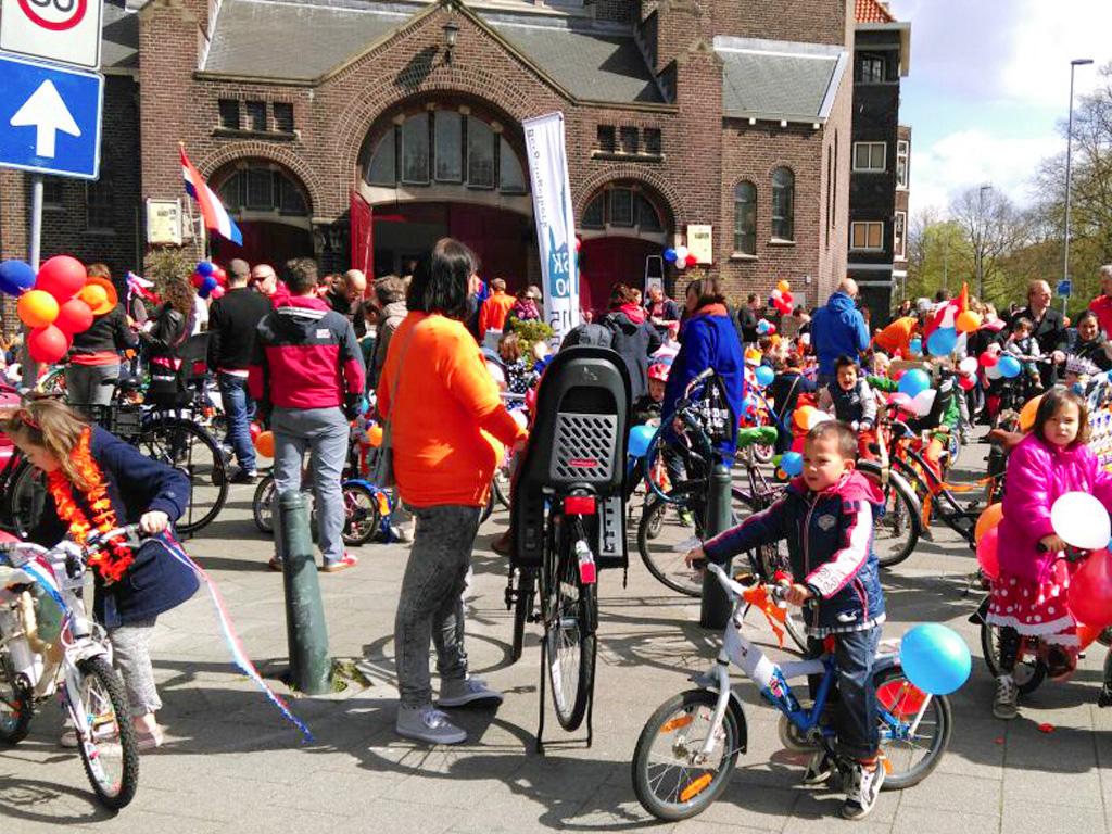 Liskids 2015 - Koningsdag - fietsoptocht02